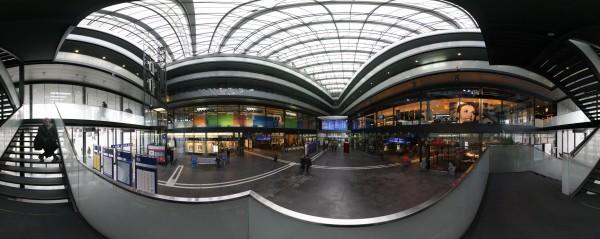 Zug Bahnhof panorama